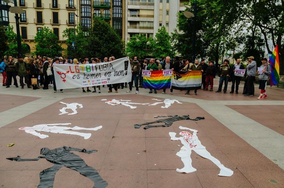 Argazkiak 17/05/2017 Maiatzak 17ko LGTBIfobiaren kontrako elkarretaratzea